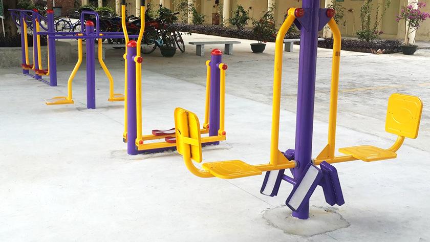 户外健身器材施工方案